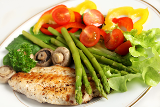 Asparagus and Bell Pepper Salad With Cod